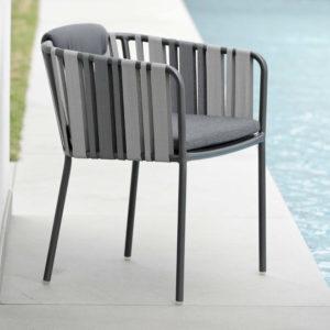 Mobilier d'extérieur pour aménager votre balcon ou terrasse à Gex. Salon de Jardin FONTANA à Saint Genis Pouilly